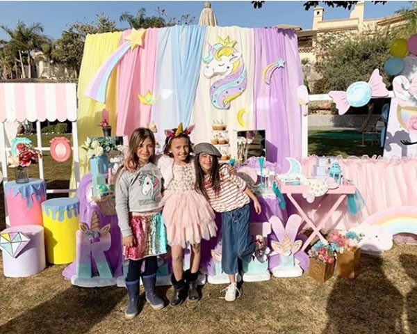 إيمان-العاصي-تحتفل-بعيد-ميلاد-ابنتها-ريتاج