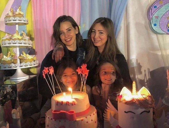 إيمان-العاصي-وابنتها-ريتاج