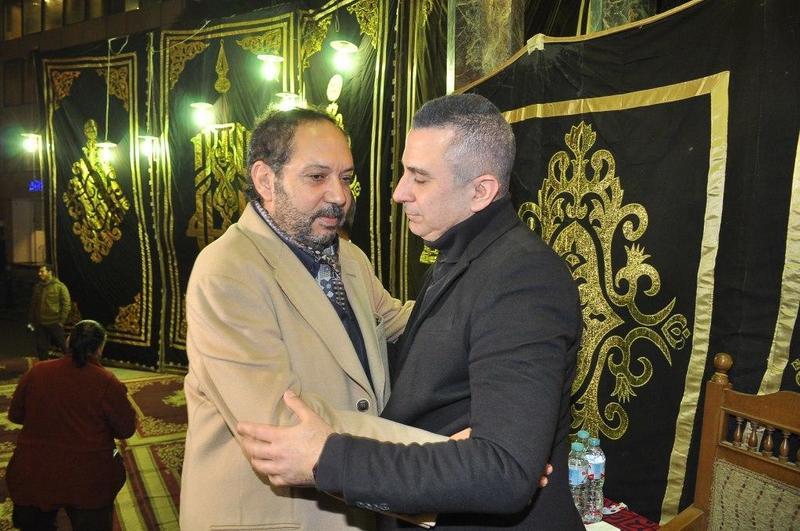 احمد سعيد-عبدالغني-يتلقى-العزاء-من-كمال-ابو-رية
