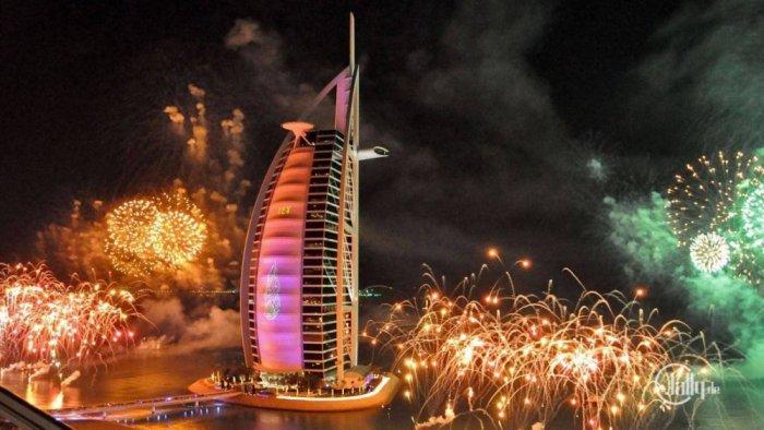 الاحتفال برأس السنة في الإمارات