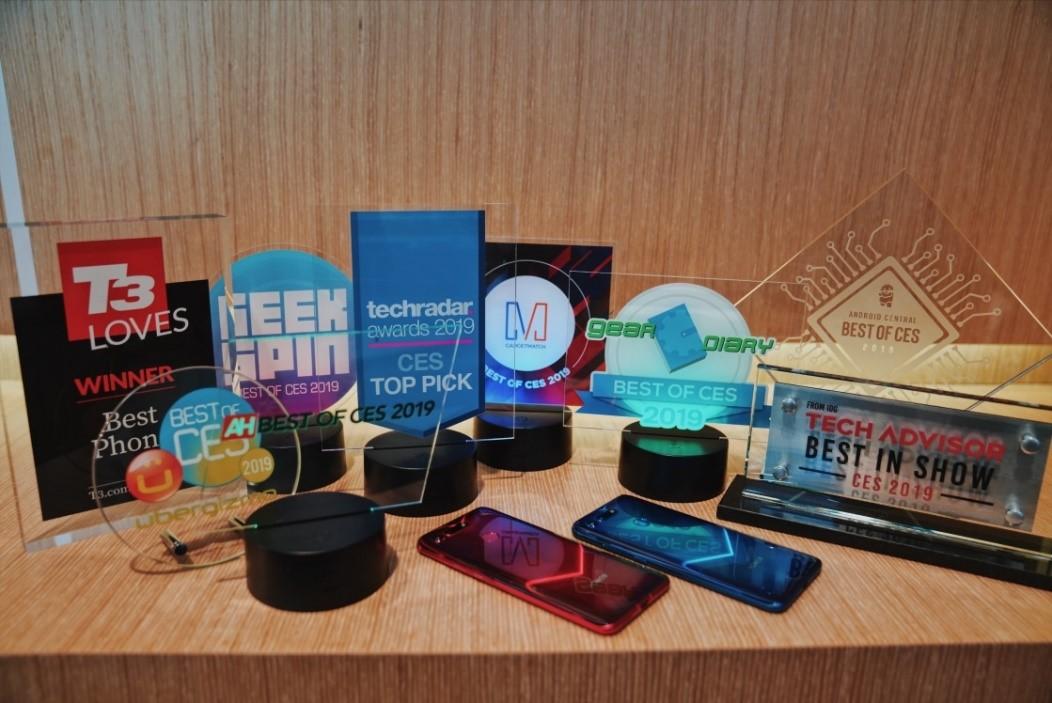 الجوائز التي حصل عليها هاتف هونرڤيو 20