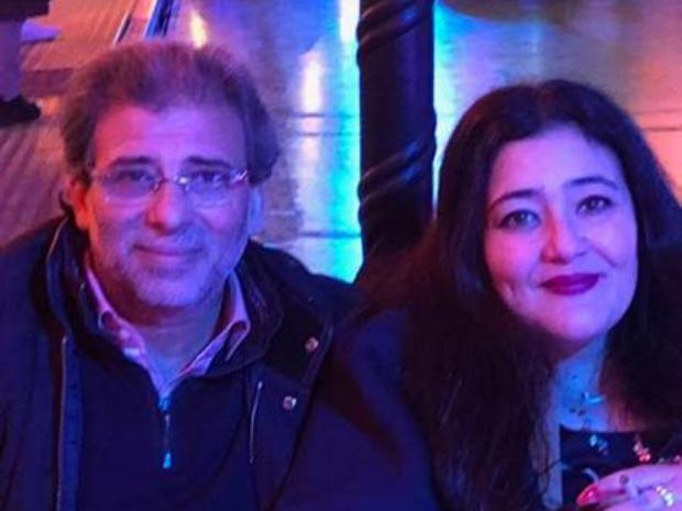 خالد-يوسف-وزوجته-الفنانة-التشكيلية-السعودية-شاليمار-شربتلي