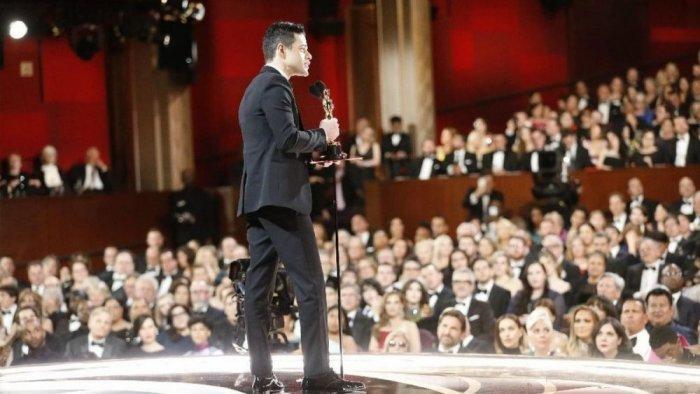 """رامي مالك حاز على جائزة الأوسكار عن فئة أفضل ممثل عن دور رئيسي فى دوره بفيلم """"الملحمة البوهيمية - Bohemian Rhapsody"""""""