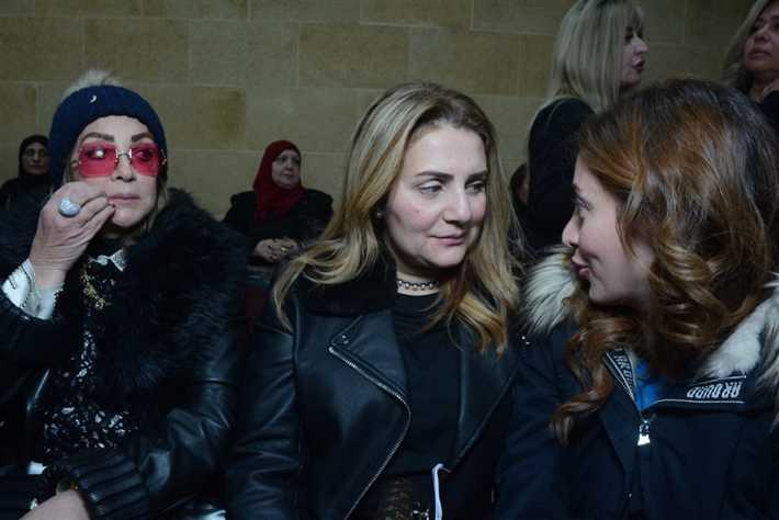 شهيرة-وابنتها-رانيا-محمد-ياسين-في-عزاء-والد-نهال-عنبر