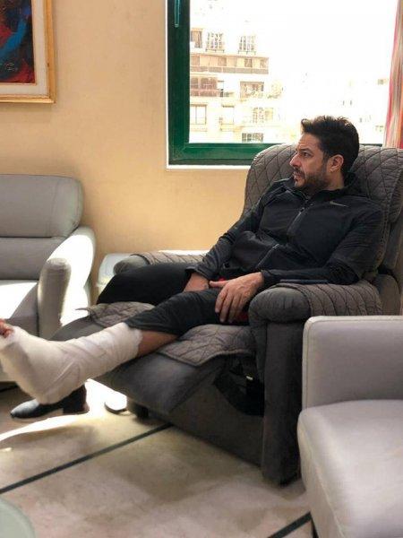 صورة-جديدة-للنجم-محمد-حماقي-من-المستشفى