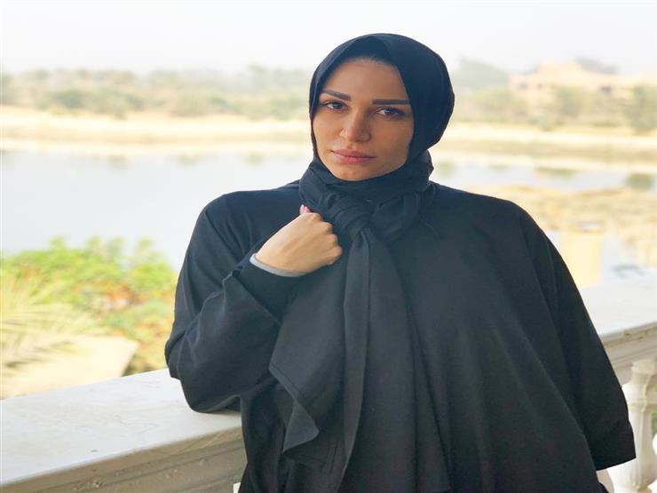صور-سارة-نخلة-بالحجاب