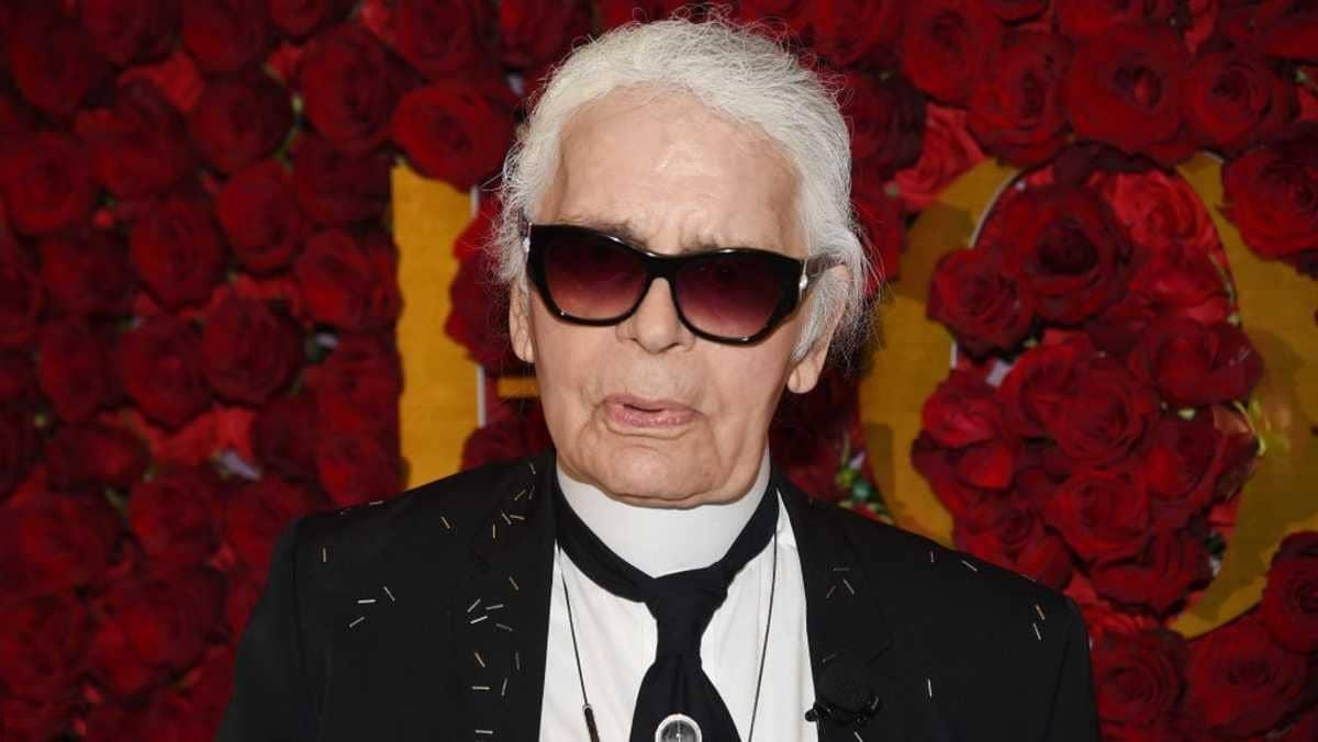 وفاة مصمم الأزياء كارل لاغرفيلد