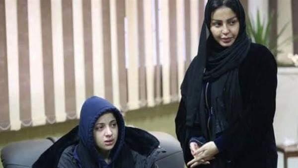 صور ترحيل منى فاروق وشيما الحاج