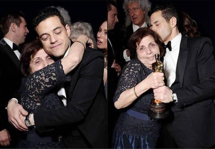 صور رامي مالك وهو يحتضن والدته