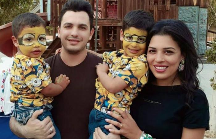 أحمد إبراهيم وزوجته وأولاده