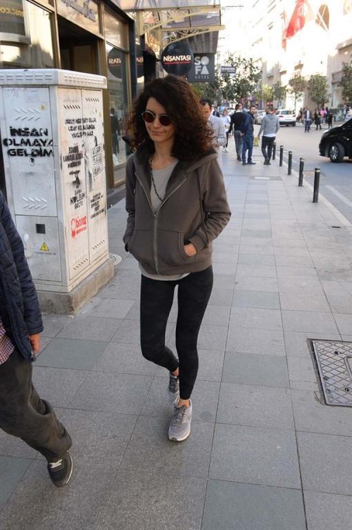 بيرين وحدها في اسطنبول