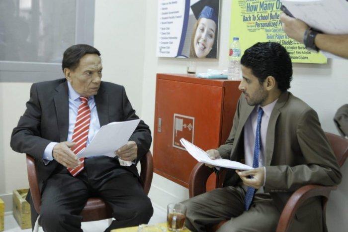 عادل إمام وحمدي الميرغني في كواليس العمل