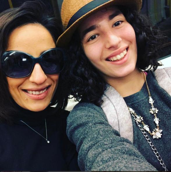 لينا-أحمد-الفيشاوي-مع-والدتها-هند-الحناوي