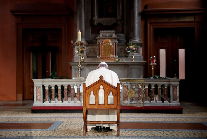 مسؤول سابق بالفاتيكان يعتدي جنسياً على صبية داخل الكنيسة