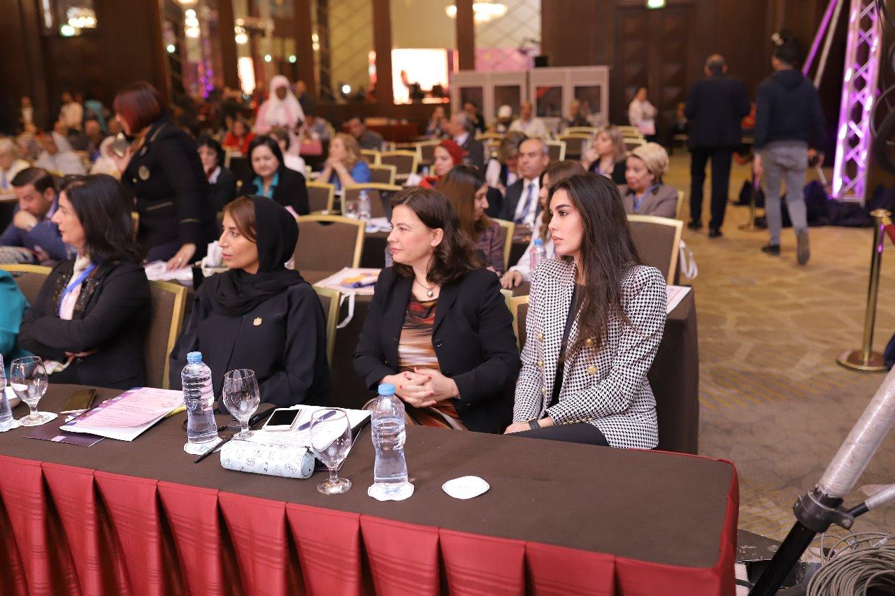صور النجمة ياسمين صبري في مؤتمر تمكين المرأة الافريقية
