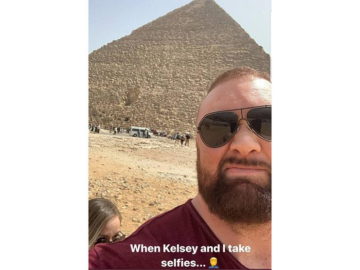 صور تايسون في الأهرامات