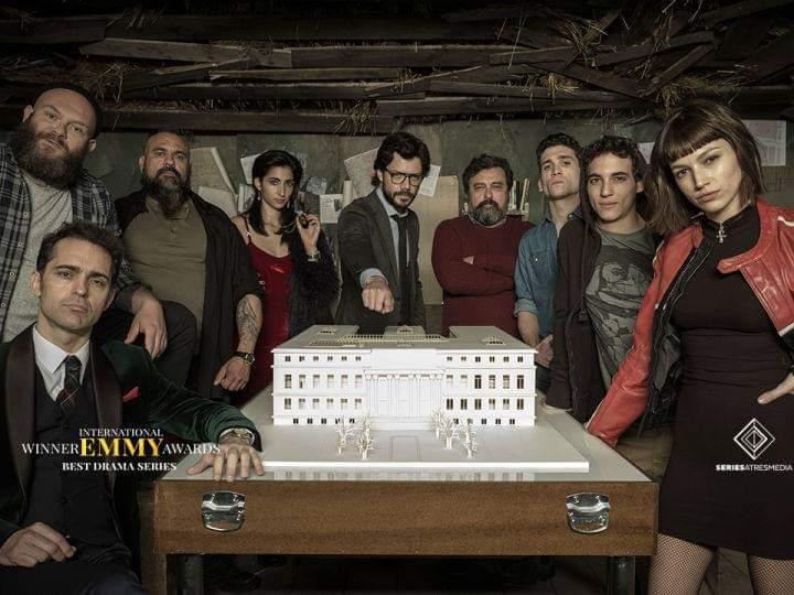 فريق عمل المسلسل الإسباني  La Casa De Papel