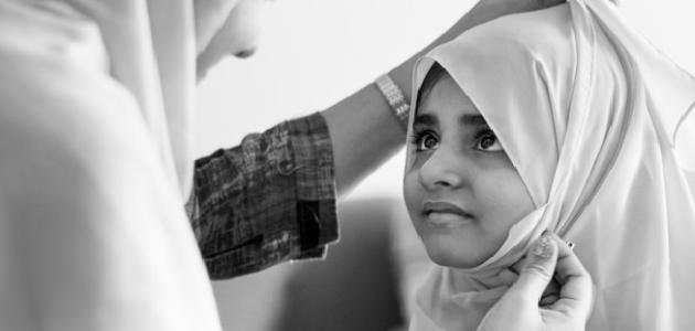 فرض قانون وغرامة مالية على ارتداء الفتيات الحجاب في هذه الدولة..!