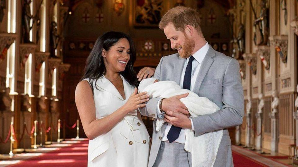 الأمير هاري يعترف للجماهير باعتراف غريب بعد إنجاب مولوده الجديد!!