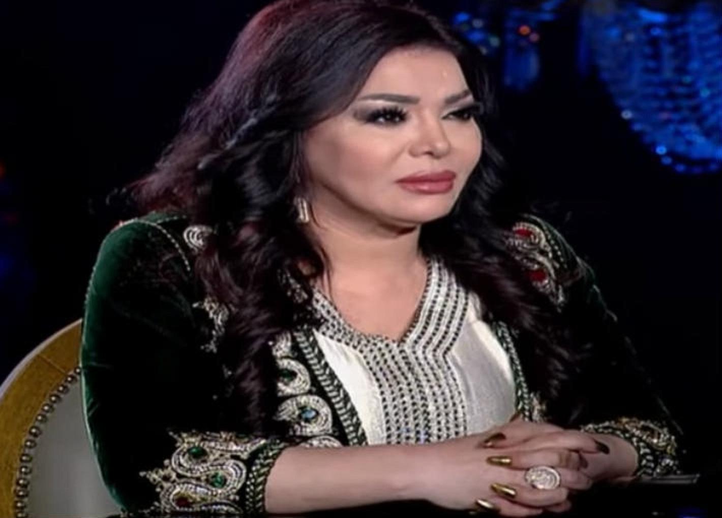 ليلي-غفران-ومحمد-رمضان-في-شيخ-الحارة-مع-بسمة-وهبة- (4)