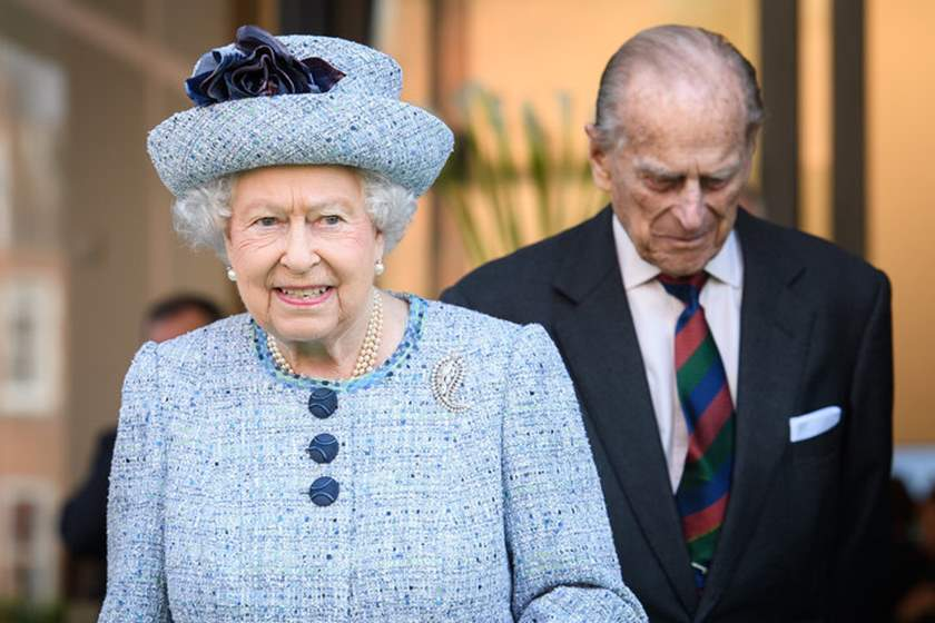لأول مرة.. الملكة إليزابيث الثانية تبحث عن موظف بقصرها بهذا المرتب؟!