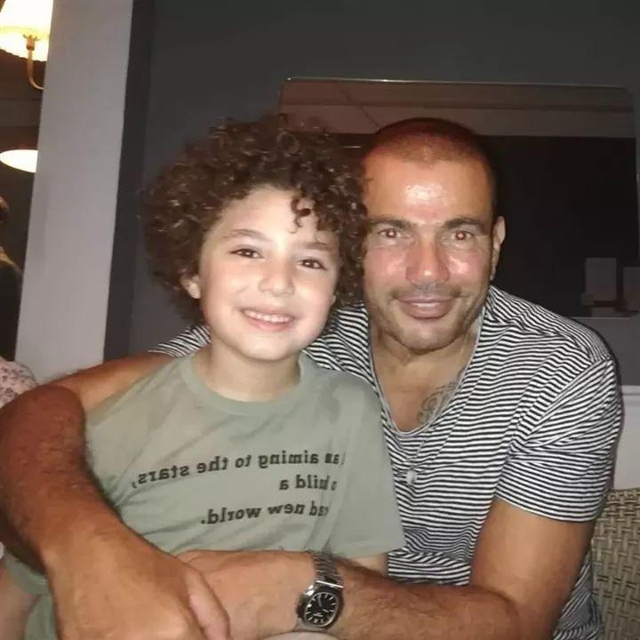 عمرو دياب مع ياسين نجل الفنانة الراحلة غنوة