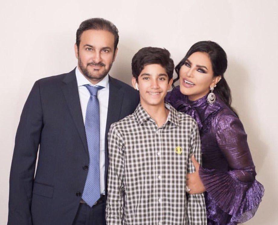 صورة أحلام الشامسي برفقة زوجها مبارك الهاجري ونجلها فاهد