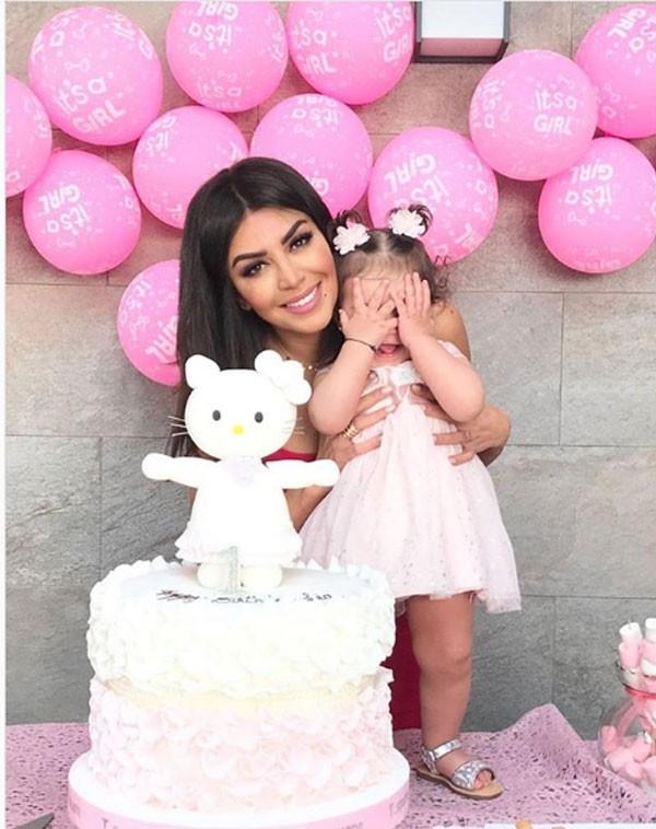 أمل-بوشوشة-مع-ابنتها-ليا