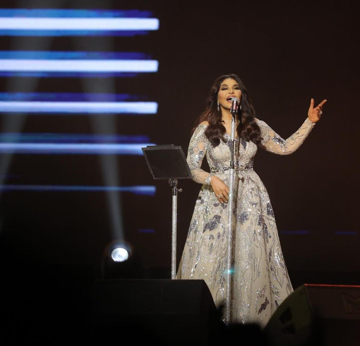 حمل فستان أحلام توقيع المصمم زهير مراد