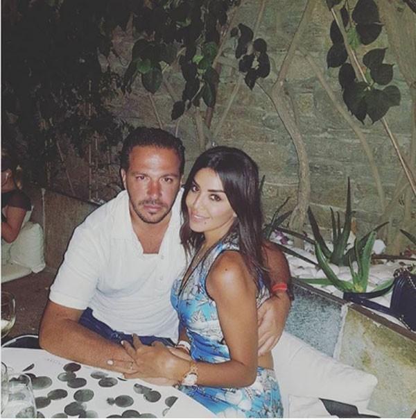 صور-أمل-بوشوشة-مع-زوجها-وليد-عواضة- (1)