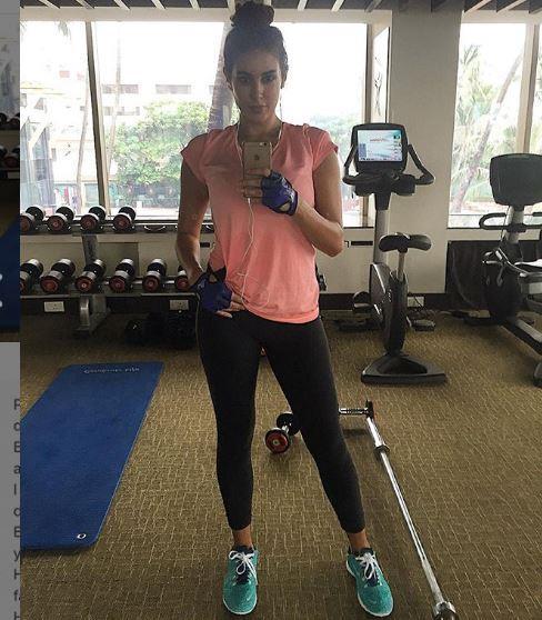 ياسمين صبري في صالة الألعاب الرياضية الچيم