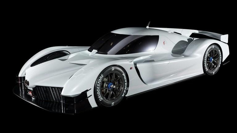 فيديو تويوتا تعمل على إنتاج سيارة جديدة لسباق السيارات