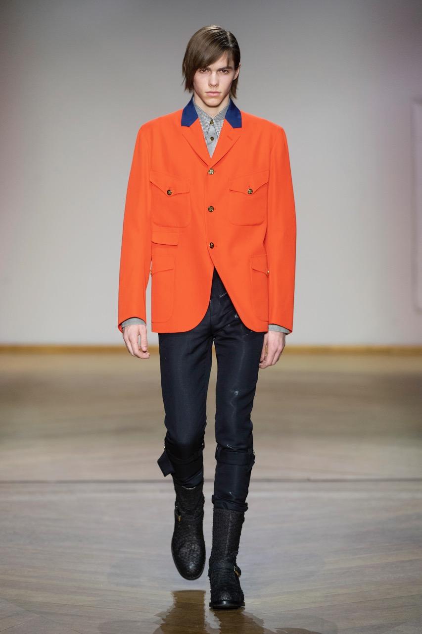 بول سميث يقدم عرضاً خلال أسبوع الموضة في باريس لموسم خريف وشتاء 2019