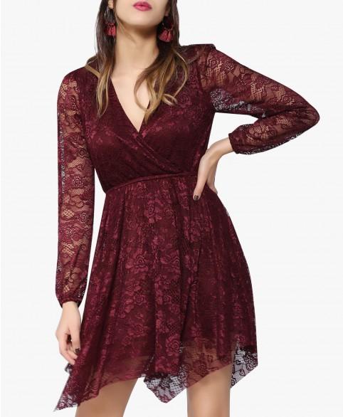 تصميم مميز جدًا لفستان باللون الخمري