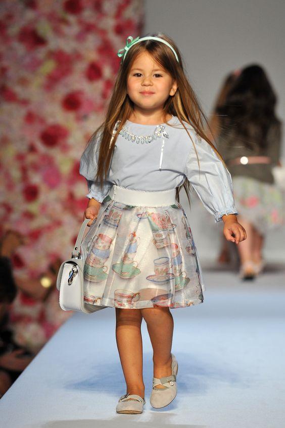 تنورة مميزة ومنفوشة للاطفال