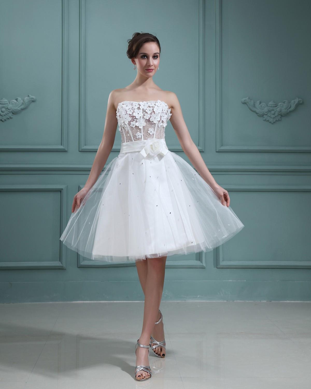 فستان زفاف مميز بتنورة قصيرة