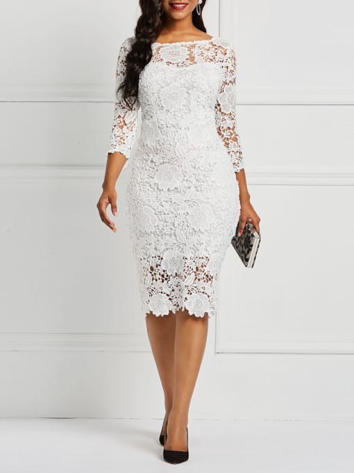 فستان باللون الأبيض دانتيل مميز لسهرات العيد