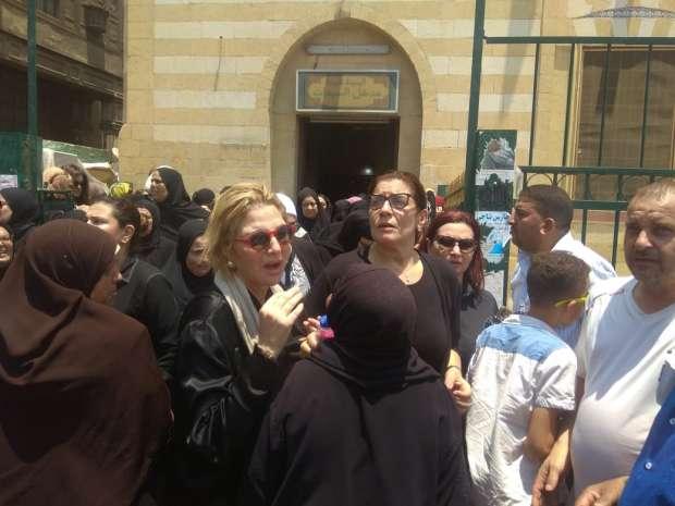 جنازة الفنان عزت ابو عوف