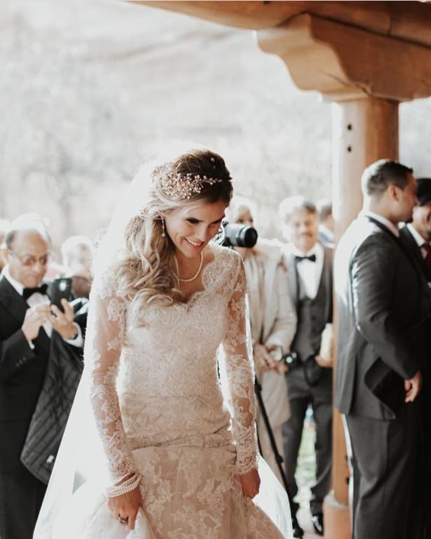 صور تيجان العروس من اللون الذهبي