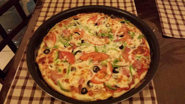 عجينة البيتزا الهشة