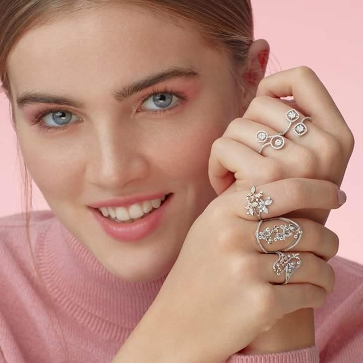 تصميم خاتم ذهبي باللون الأبيض من لازوردي