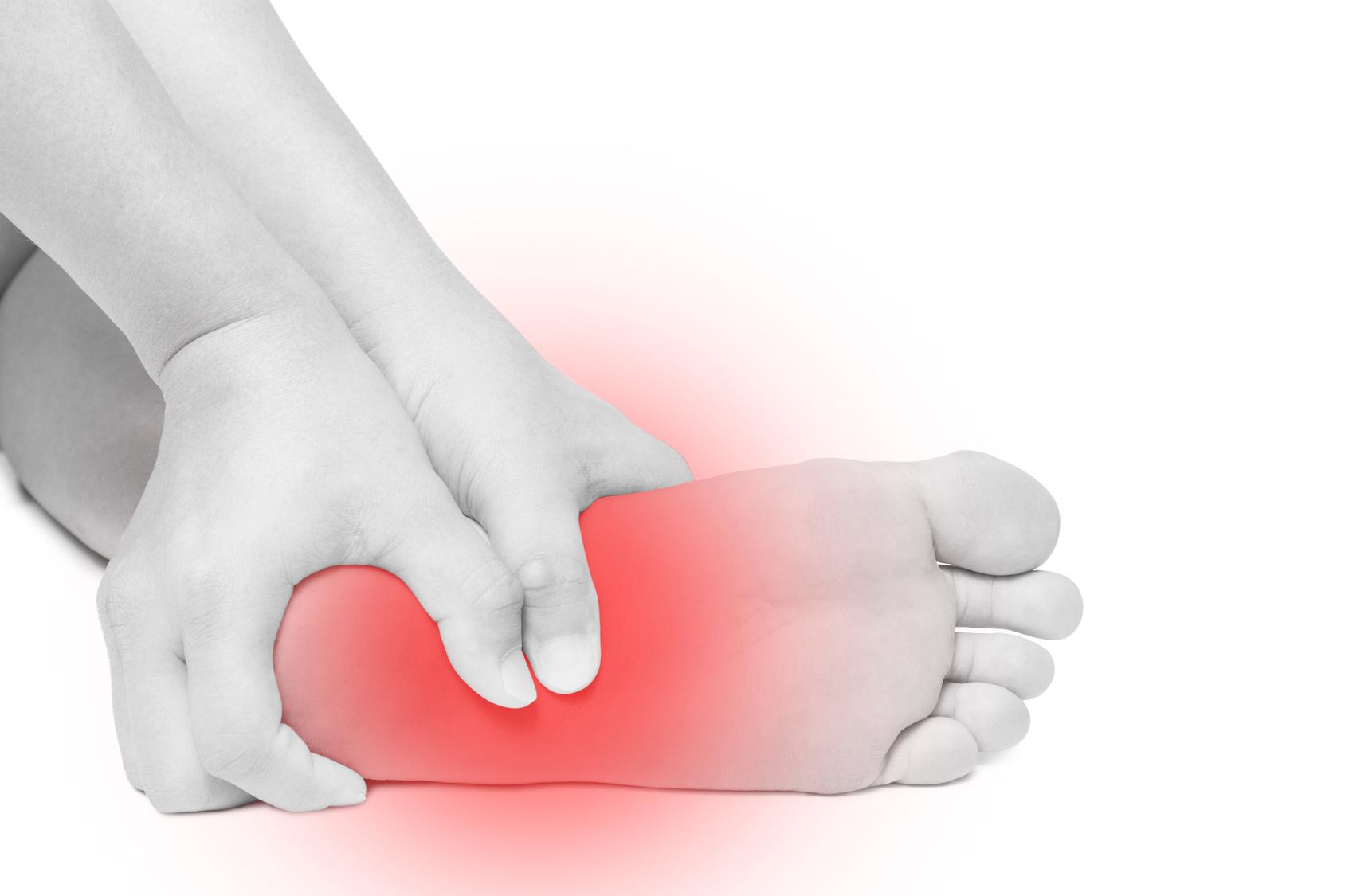 أمراض كعب القدم وطرق علاجها
