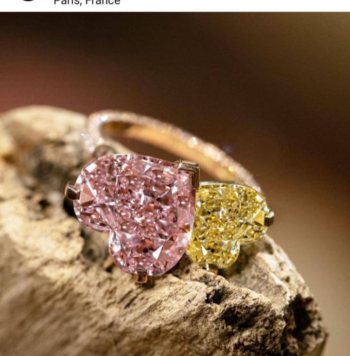 مجموعة مجوهرات ميسيكا الماسية باللون الزهري