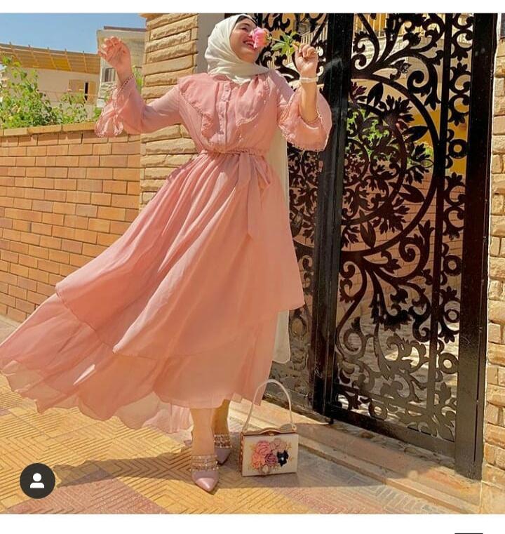 تصميم فستان مميز للخروجات النهارية بأكمام طويلة