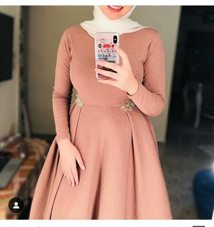 صورة فستان سهرة مميز من اللون البيج