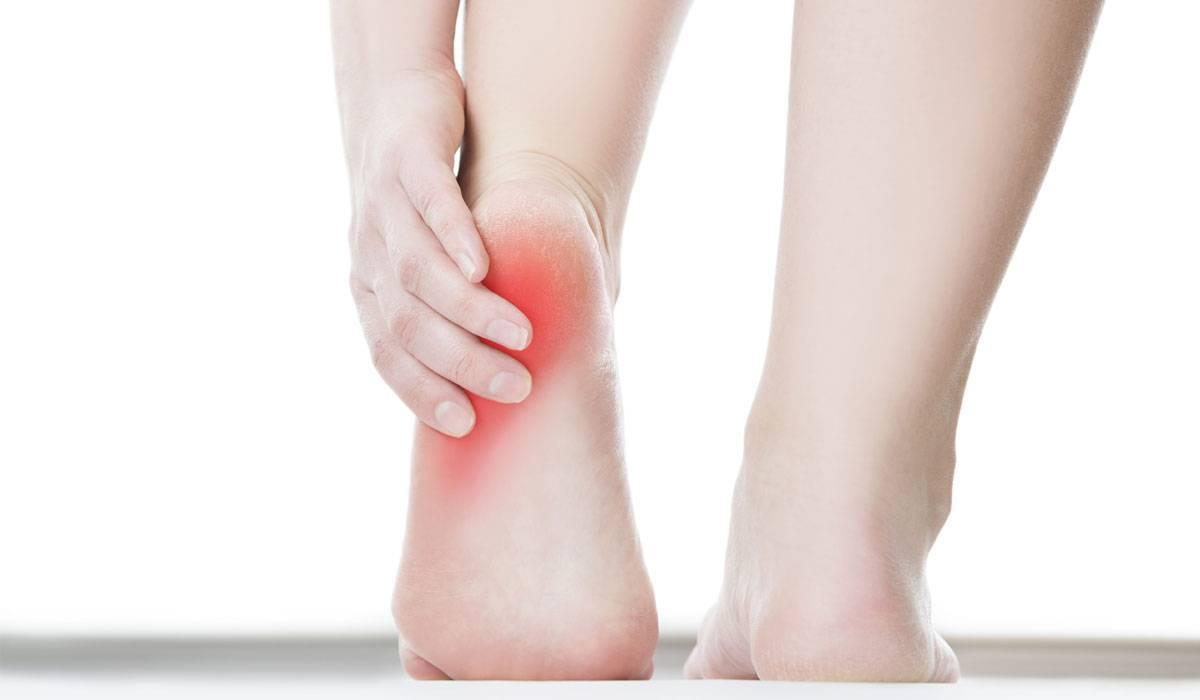 أسباب ألم القدم
