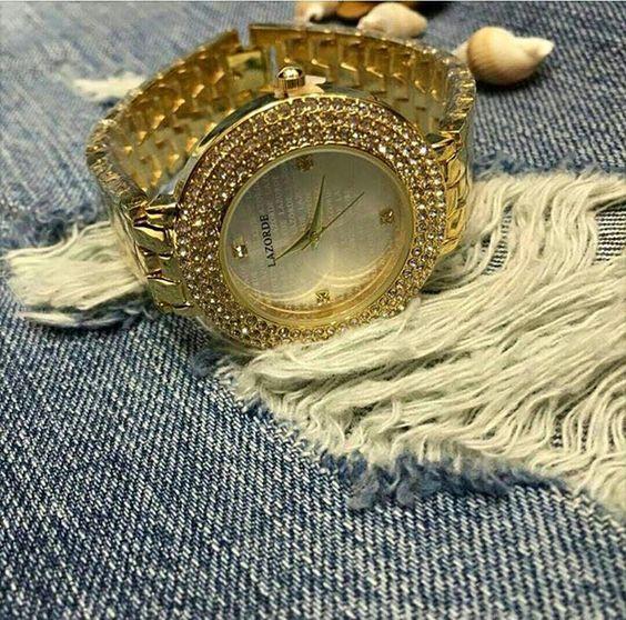 أجمل الساعات الذهبية من ماركة لازورد
