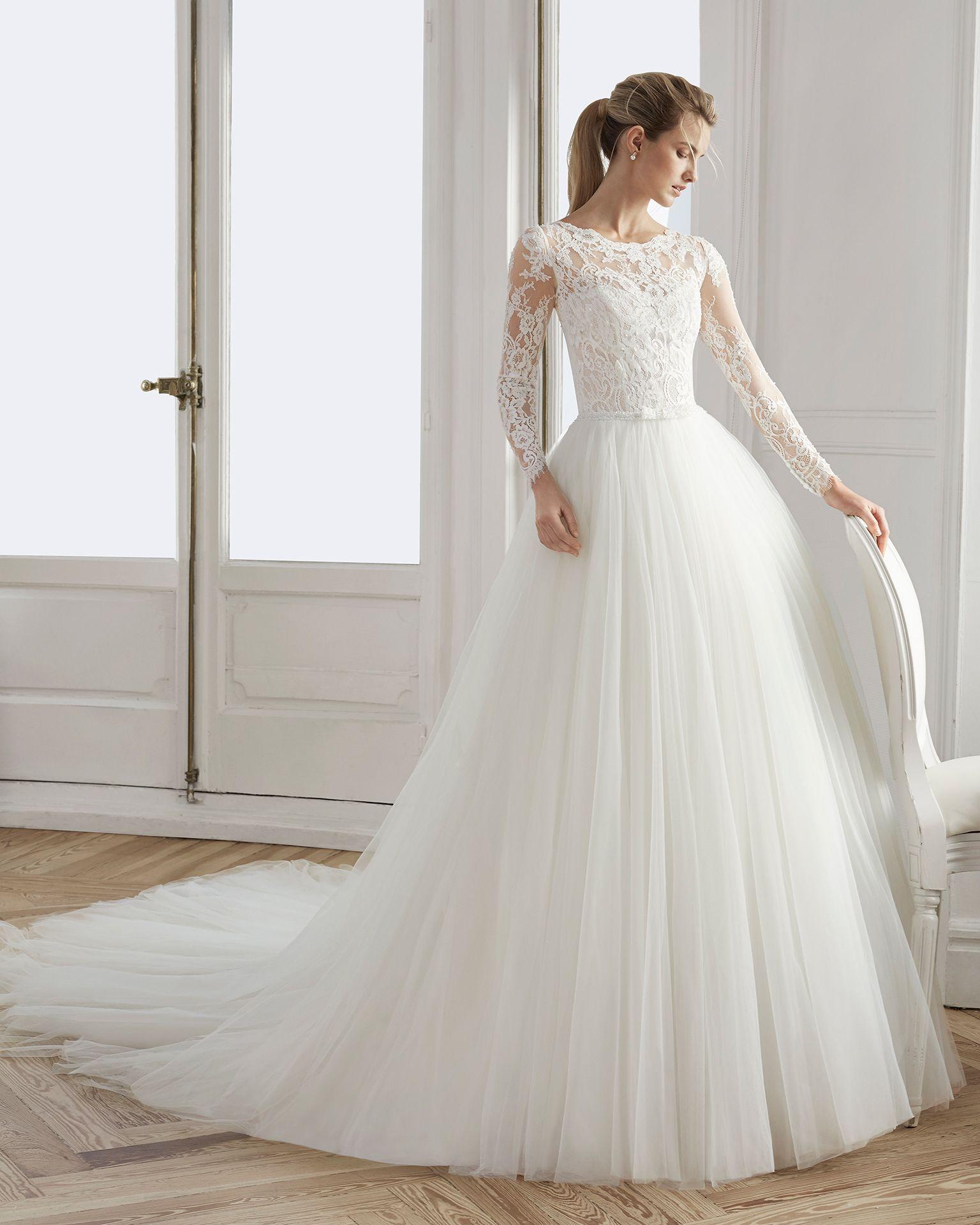 أجمل وأرق فساتين الزفاف بكم طويل دانتيل لعام 2019