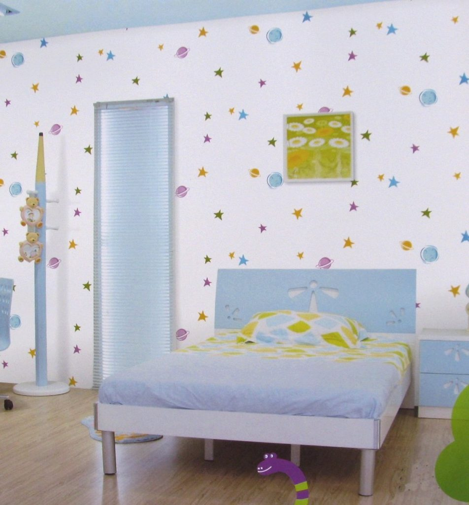 افكار-ديكورات-غرف-نوم-بنات-من-ورق-الحائط-1-952x1024
