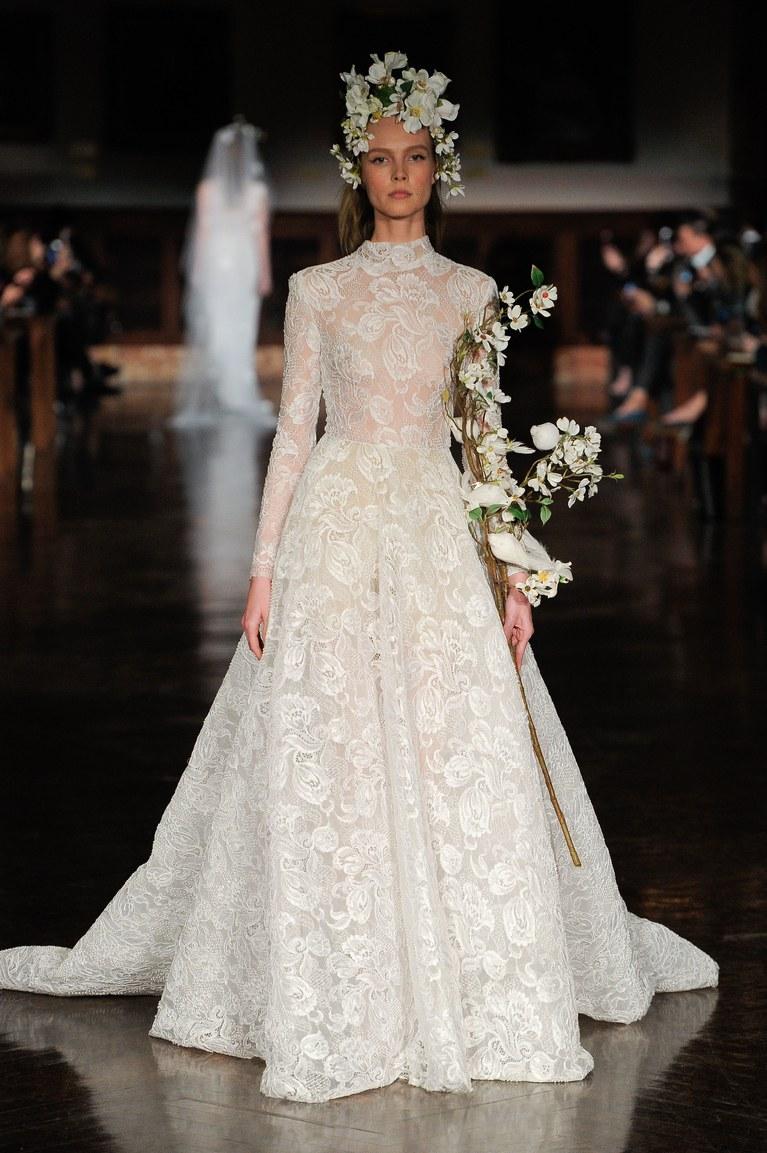 الدانتيل المميز لفساتين العرائس 2019